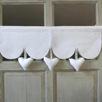cantonnire coeur suspendus decoration aux cotonnades de mathilde. Black Bedroom Furniture Sets. Home Design Ideas