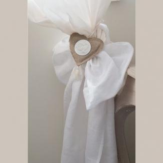 embrasse rideau blanche dcor coeur mathilde m dco de charme. Black Bedroom Furniture Sets. Home Design Ideas